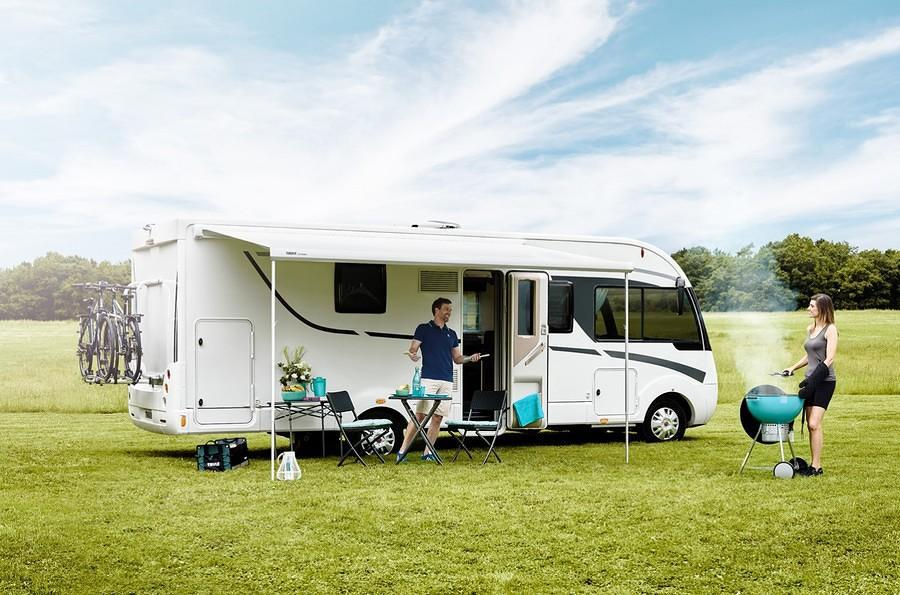 thule omnistor 6200 markise wei 350cm mystic grau von thule omnistor markisen bei campingshop. Black Bedroom Furniture Sets. Home Design Ideas